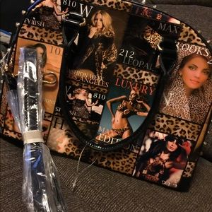 Magazine cover purse